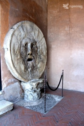 boca de la verdad1 280x420 Viajar con niños: qué ver en Roma