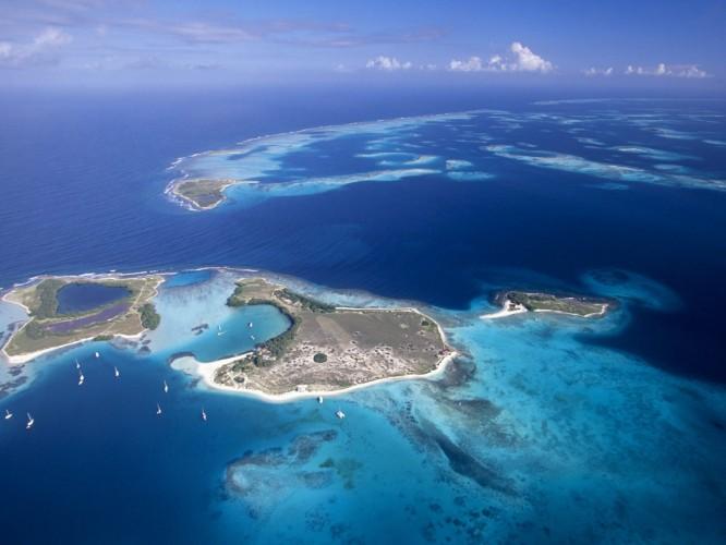 Aerial-View-of-Archipelago-Los-Roques-Venezuela
