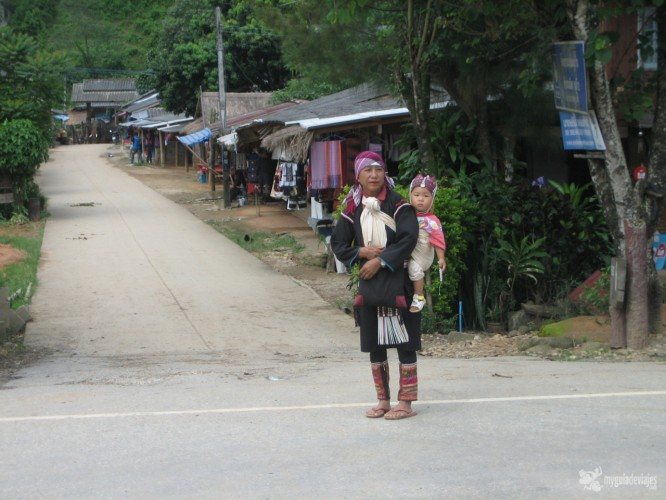 tribu karen