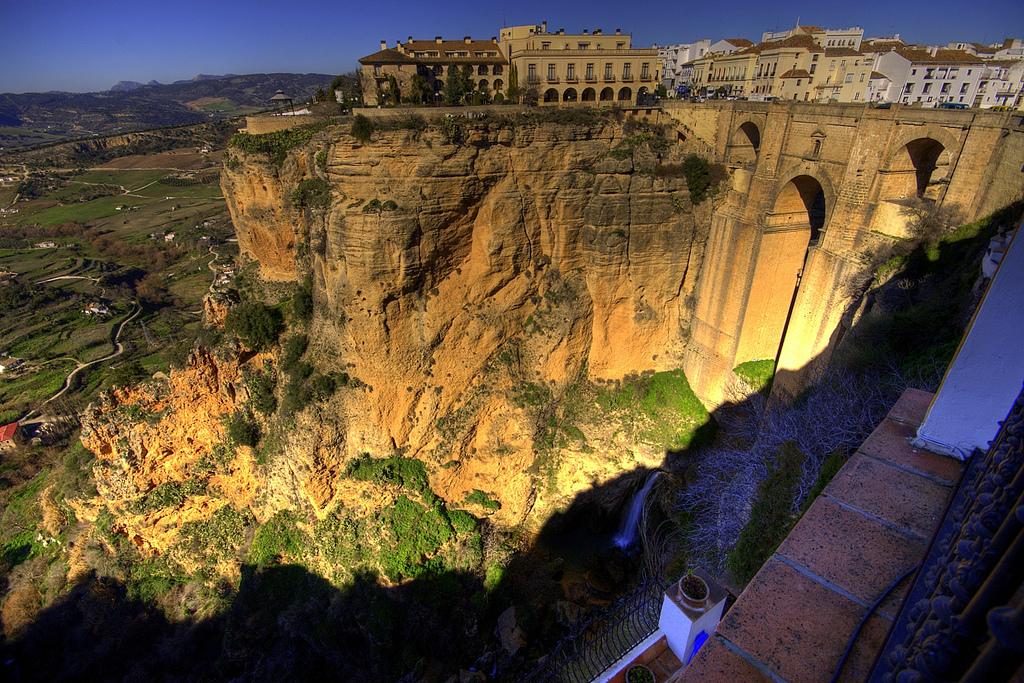 Tiempos de crisis, paraísos cercanos :: Andalucía