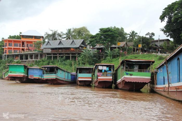 barcazas laos