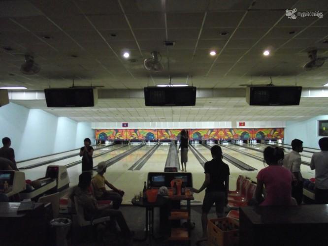 bowling laos