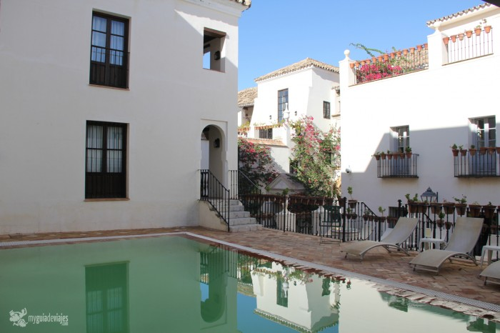 piscina casas juderia