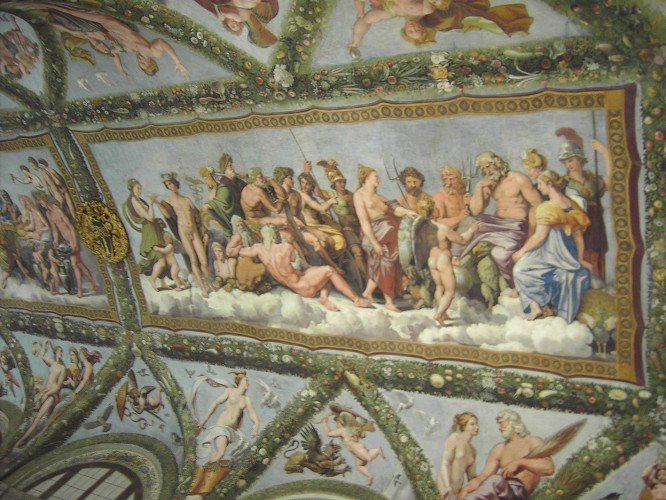 Frescos de Rafael en los techos de Villa Farnesina.