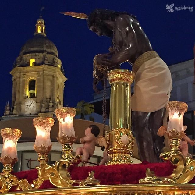 "Cristo de los gitanos tocando ""la manquita""."