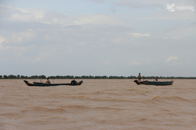 Pescadores en el Tonlé Sap