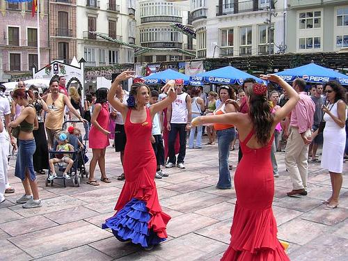 musica y baile en la feria de día.