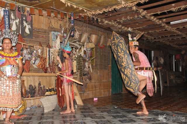Bailes tradicionales de los Iban