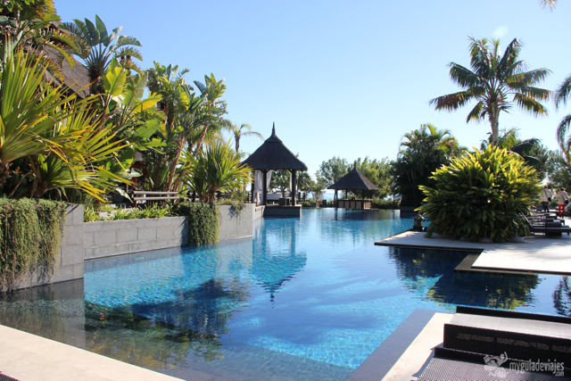 piscinas hotel asia gardens