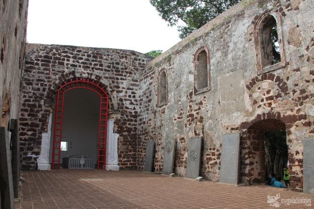 la destruida iglesia de San Pablo
