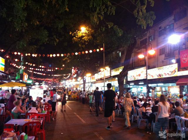 Calle Jalan Alor, la calle de las comidas.