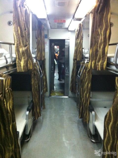 tren nocturno en Malasia