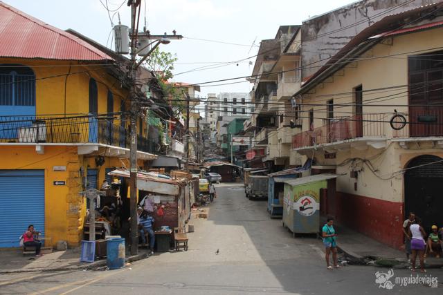 calle en panama city