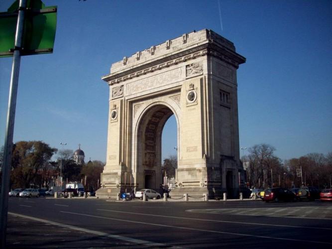 Arco del triunfo sin andamios. Wikipedia