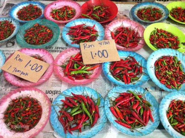 Guindillas en el mercado de Serian