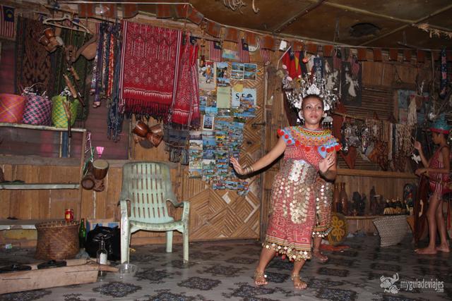 bailes tradicionales borneo