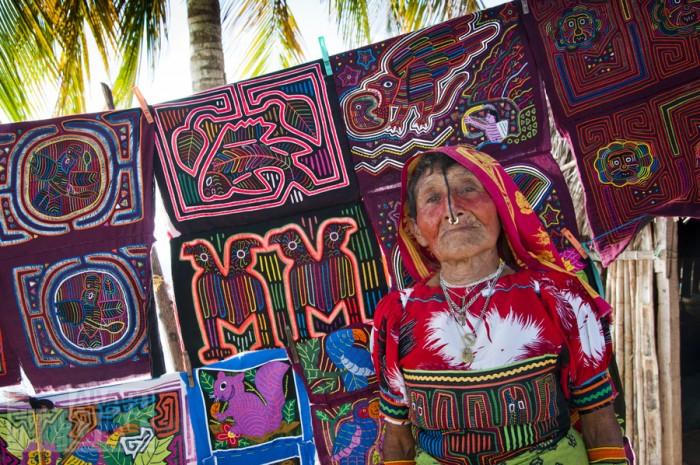 Mujer guna ( Imagen de wikipedia).