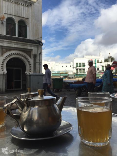 No puede faltar un té en tu visita a Tetuán.