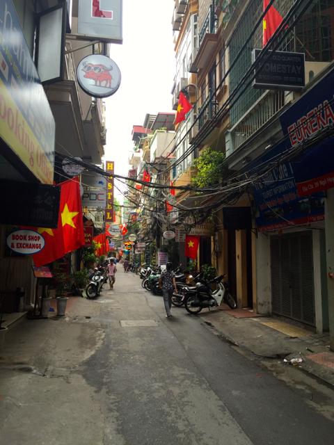 Callejuela del Old Quarter de Hanoi