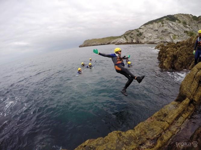 Salto desde el acantilado. Imagen de Troka.com