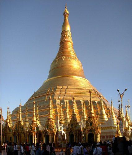 Shwedagon Paya en Yangún. Fuente: wikipedia.org.