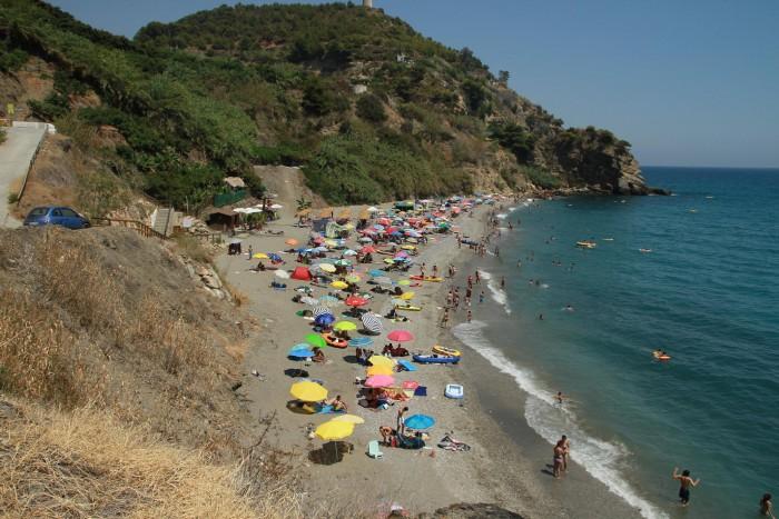 Playa de Maro. Imagen de @cucomarin