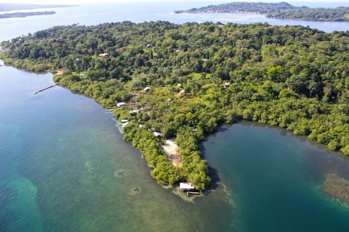 Isla Solarte. Foto de www.bocasdeltoro.travel