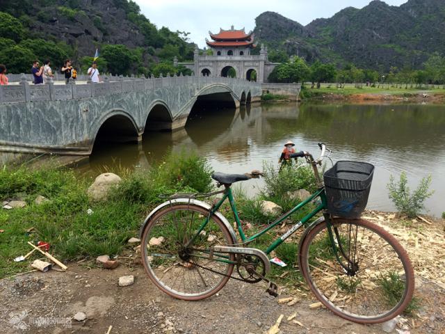 Puente de entrada a Hoa Lu