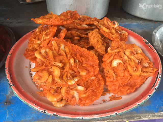¡Tortillitas de camarones en Mandalay! Algún gaditano las exportó...