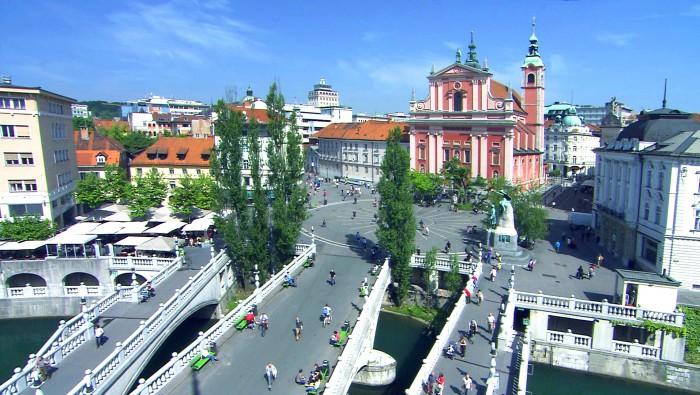 Puente triple y Plaza Preseren. Imagen de lemerg.com