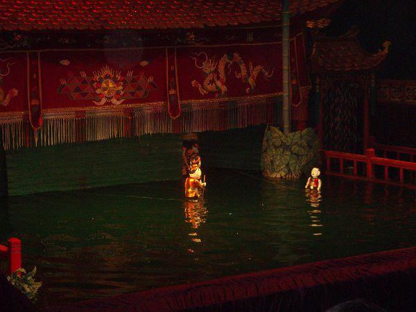 Marionetas de agua. Imagen propiedad de ElPachinko.com