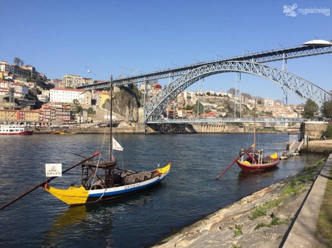 barco y puente oporto