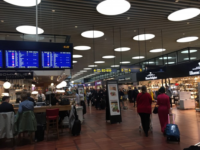 Muy moderno el aeropuerto de Copenhgaue