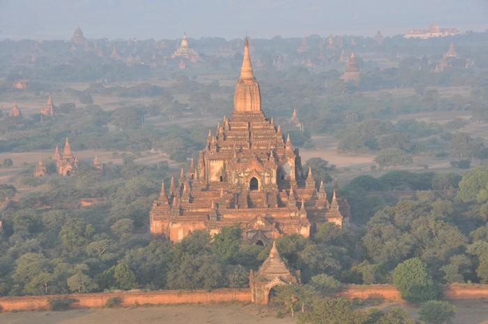 Templo Sulamani desde el aire. Imagen de triptoes.wordpress.com