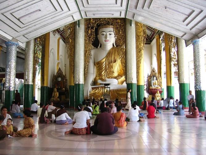 1024px-Shwedagon-d09