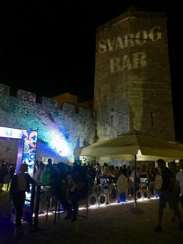 Para acabar el día, Svarog Bar.