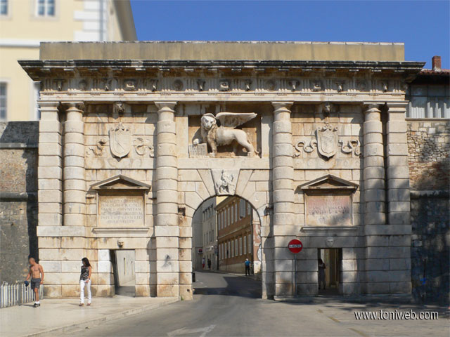 Puerta de Tierra, entrada al casco viejo de Zadar