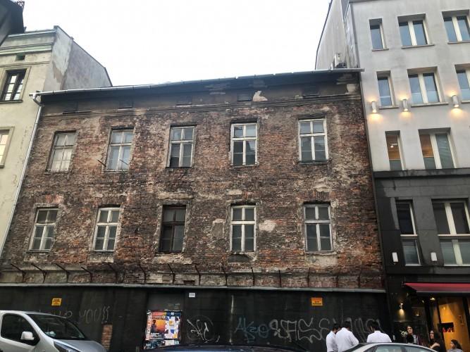 viejo edificio en el barrio judio de Cracovia