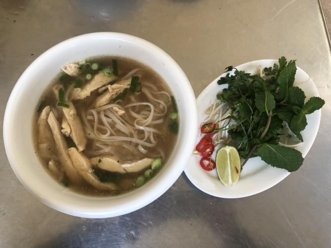 Riquísima sopa Pho en Bun Bo.