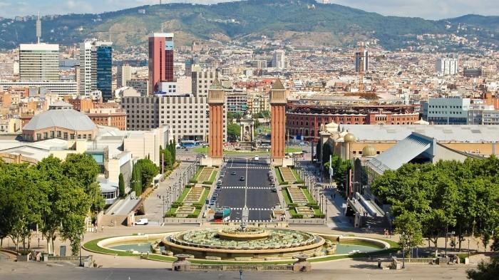Monjuic. Foto de https://hotelarclarambla.com/ca/blog/barcelona-barrios-que-hacer-ver-montjuic/