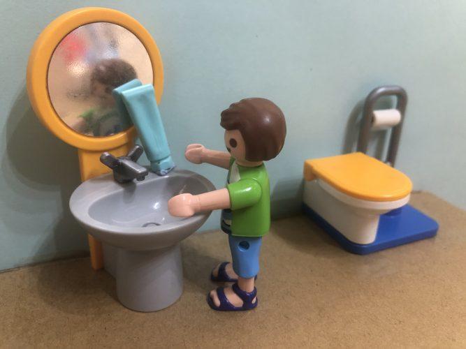 Lavarse bien las manos varias veces al día es fundamental