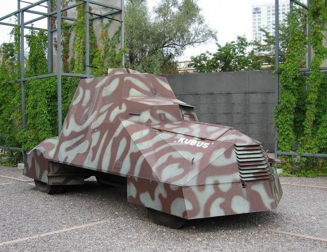 Kubus, el carro blindado casero hecho en la clandestinidad. Wikipedia.