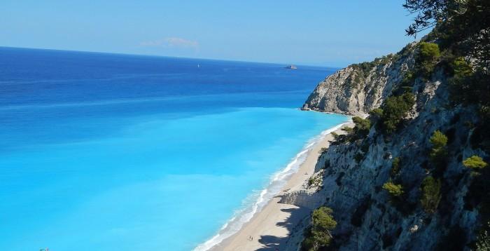 La playa de Egremnoi en la isla griega de Lefkada